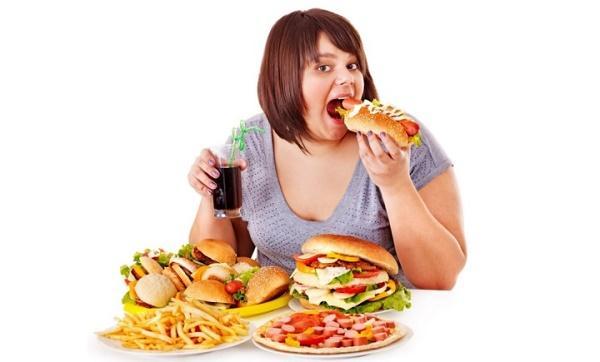 Неправильное питание - наиболее частая причина скопления газов в кишечнике