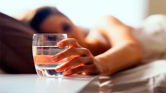 Но если всё-таки не заразиться в холодный сезон не получилось, следует по возможности прописать себе постельный режим, обильное питьё и тщательно сбалансировать диету
