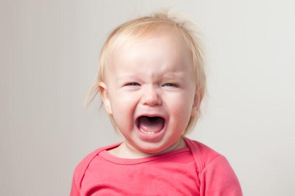 На фоне энтеробиоза ребенок становится плаксивым и нервным