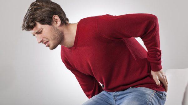 При патологиях позвоночника, возникают мышечные спазмы