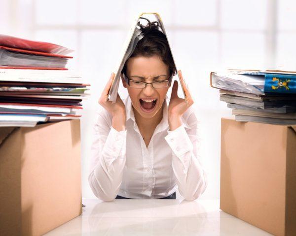 Стресс и тревожность приводят к спазму кишечника, который в свою очередь провоцирует задержку стула