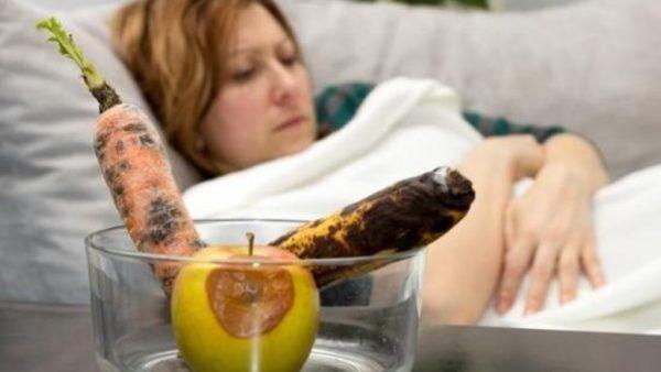 НЕобходимо следить за свежестью продуктов, чтобы избежать банального пищевого отравления