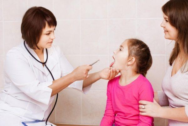 Цвет и структура языка помогают врачу поставить предварительный диагноз