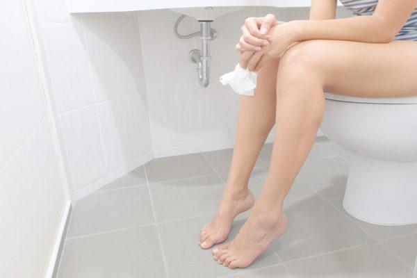 Анальные трещины существенно влияют на качество жизни, ухудшая его в разы