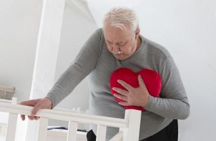 Боли в солнечном сплетении могут оказаться сердечной болезнью