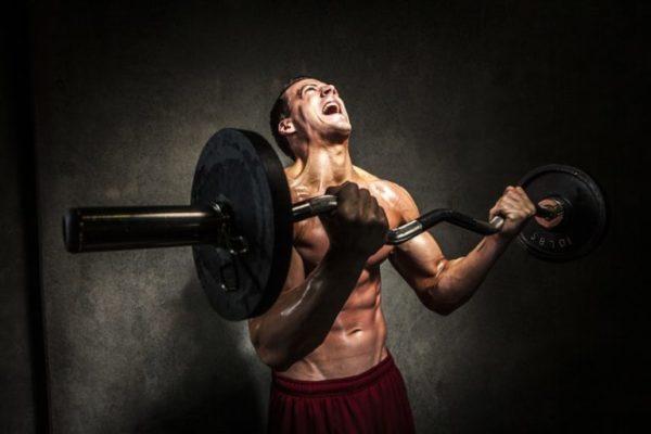 Повышенные физические нагрузки могут спровоцировать боль в боку