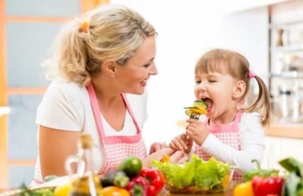 Поговорите с детским врачом и специалистом по диетологии о рационе ребенка