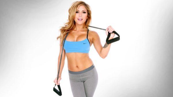 Для эффективного похудения необходимо заниматься спортом и правильно питаться