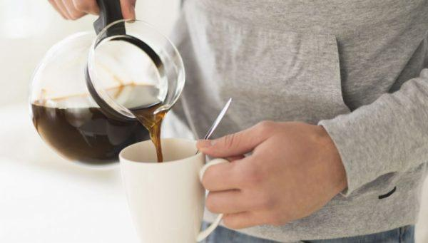 Эксперты рекомендуют выпивать не более двух чашек кофе в день