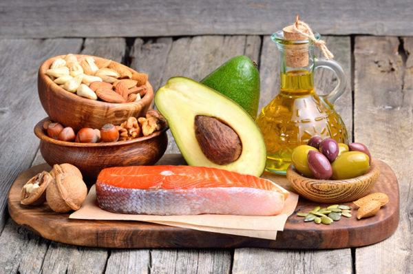 Рыбу, орехи, масла максимально сокращают в потреблении