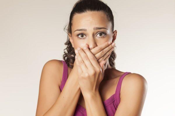 Горечь во рту может быть симптомом серьезных заболеваний