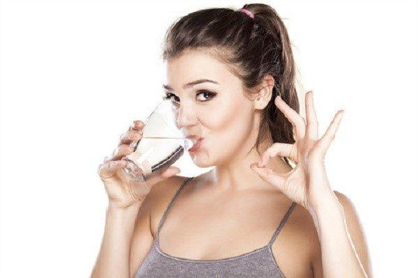 Запивайте таблетки большим количеством воды