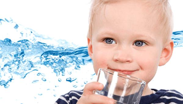Лучше всяких лекарств помогают очистить организм обычная вода и правильное питание