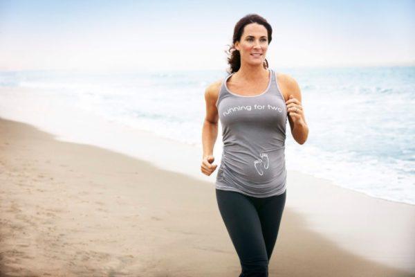 Плавный ритм тренировки с постепенным нарастанием интенсивности в начале забега и постепенным снижением ее в конце поможет избежать резких перепадов артериального давления, а, соответственно, и резкого притока крови к прямой кишке