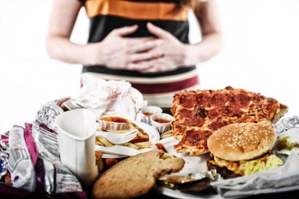 Неправильное питание - одна из причин развития заболевания