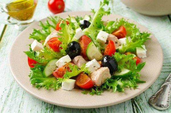 Начинайте каждый прием пищи с салата