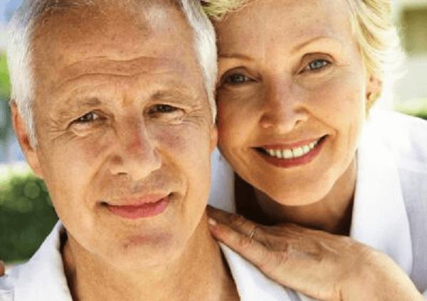 Наиболее часто заболеванию подвергаются мужчины и женщины в возрасте
