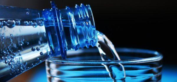 Обильное питьё является первоочередным и наиболее важным условием успешного лечения острой формы энтерита