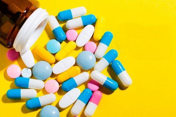 Основной медикаментозного лечения является радикальная терапия, направленная на эрадикацию инфекционного возбудителя и устранение Нр-инфекции