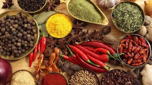 Острая пища вредна для кишечника