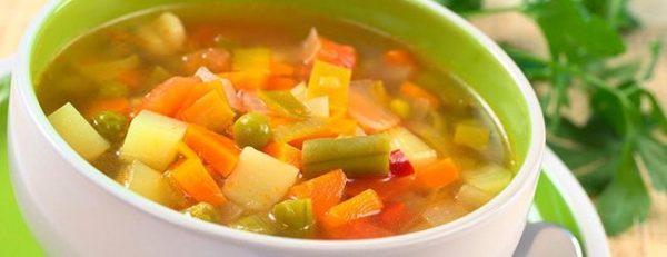 Овощные супы прекрасно подойдут для обеденной трапезы