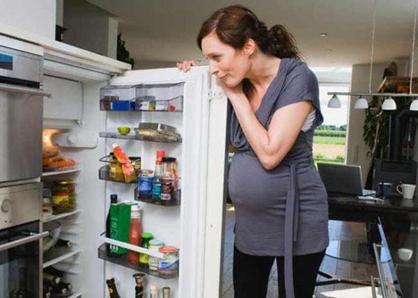 Переедание для беременных женщин под запретом
