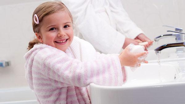 Ребенок должен приучаться мыть руки