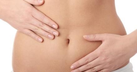 Боль внизу живота нередко возникает как первичная аномалия менструаций