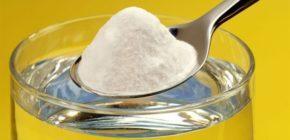 Сода, вступая в реакцию с желудочным соком, создает углекислый газ