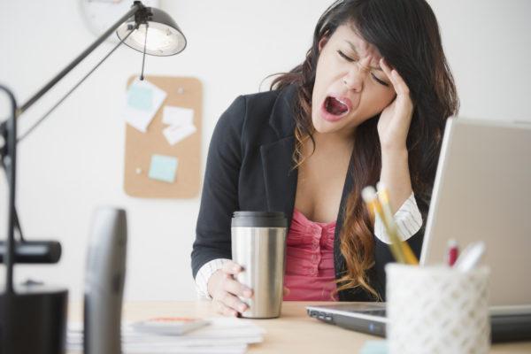 Сонливость - один из возможных побочных эффектов от употребления больших доз антацидов