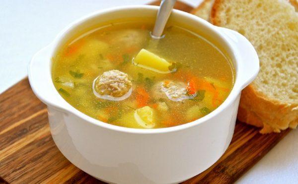 Сытный суп с фрикадельками