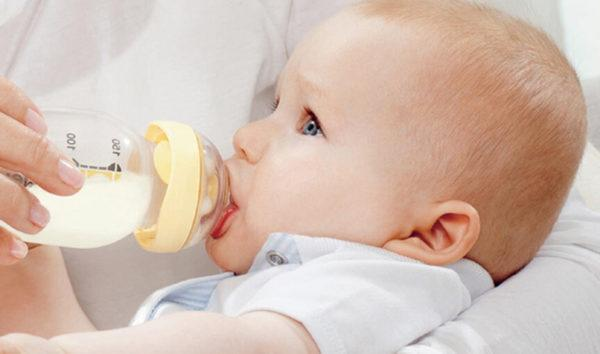 Важно подбирать качественную и подходящую для малыша смесь