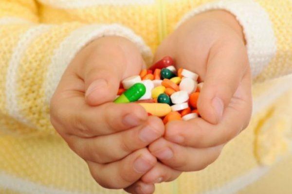 Запоры могут начаться после медикаментозного лечения