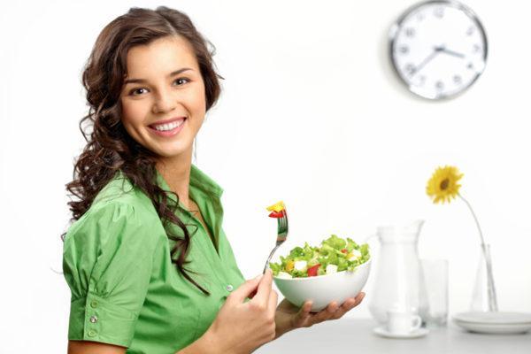 Диета при трещине прямой кишки должна включать продукты с большим количеством витаминов, минералов и клетчатки