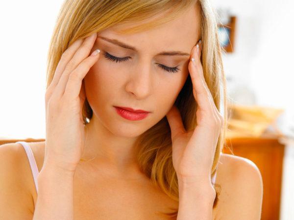 Постоянные головные боли и слабость - первые признаки гельминтоза