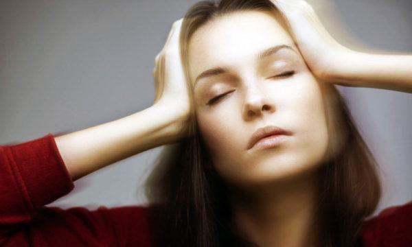 Болезни сердечно-сосудистой системы характеризуются не только болевыми ощущениями, но и головокружением, предобморочными состояниями