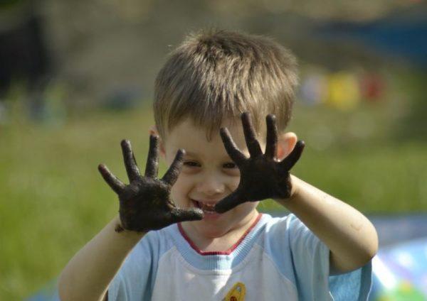 Грязные руки- основной источник заражения