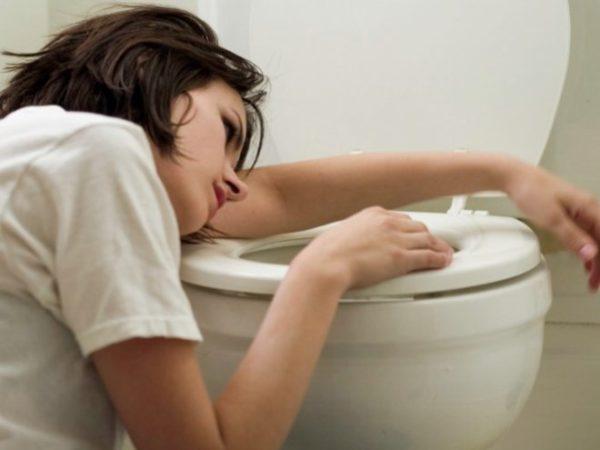 Частая рвота вызывает болезненные ощущения в желудке