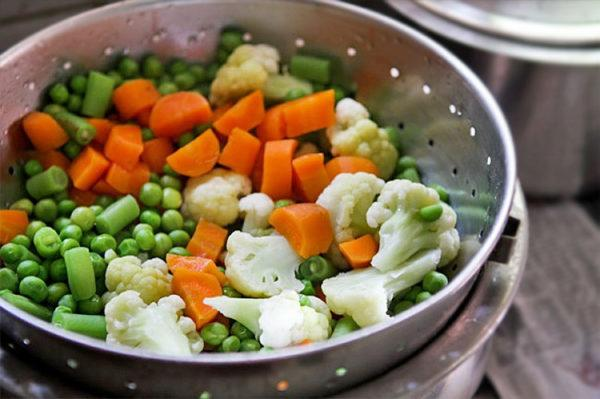 Готовить пищу лучше на пару