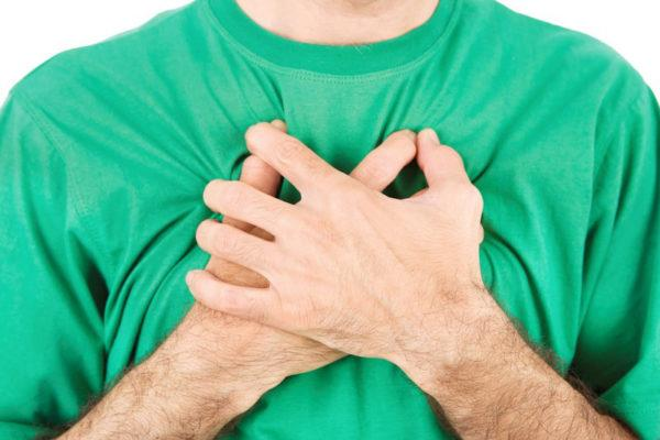 Боли, вызванные патологиями дыхательной системы могут иррадиировать в бок и спину
