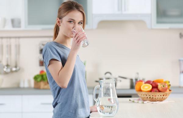 Следует пить достаточно жидкости