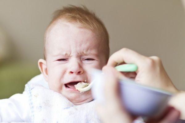 С введением прикорма у ребенка может начаться понос