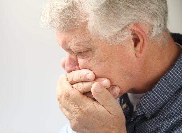 Тошнота вместе с болью в животе должна насторожить