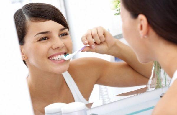 Гигиена полости рта - одно из главнейших условий здорового языка