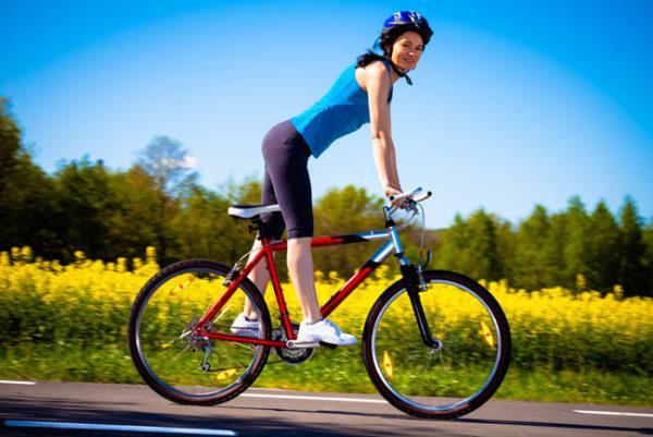 Седло велосипеда, которое не учитывает физиологических особенностей человеческого организма, спровоцирует пережатие артерий и большого участка нервных окончаний, что может вызвать не только ущемление тканей геморроидальных узлов, но и нарушение чувствительности или онемение ног