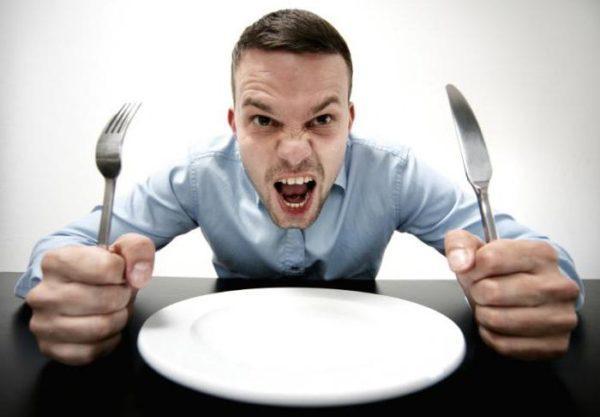 Иногда после плотной трапезы, человек чувствует голод спустя небольшой промежуток времени