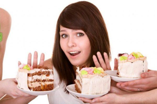 Жирные, сладкие и мучные блюда нужно исключить