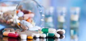 Если народные методы не помогли избавиться от тошноты, на помощь придут медикаменты