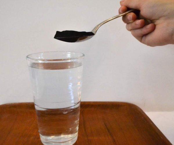 Активированный уголь можно растворить в воде
