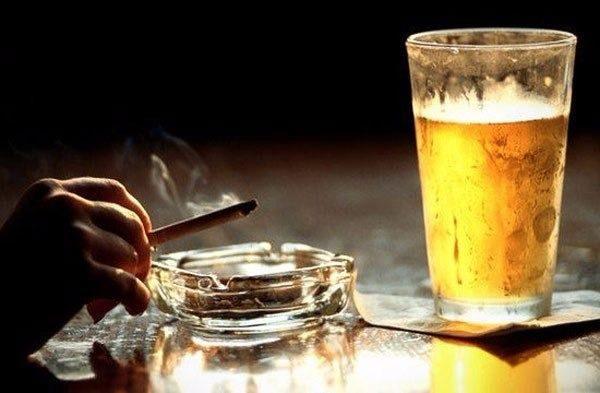 Алкоголь и курение увеличивают вероятность развития рака